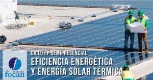 Azotea con placas solares fotovoltaicas Ciclo Formación Profesional FP Semipresencial en Las Palmas de Eficiencia Energética y Energía Solar Térmica